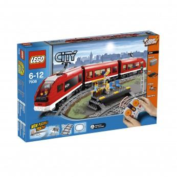 LEGO City Passenger Train 7938 reviews