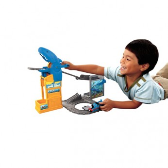 TAP Thomas Shark Exhibition Playset reviews