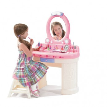 Step 2 Deluxe Vanity Table reviews