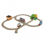TrackMaster Thomas Bustling Railway Set