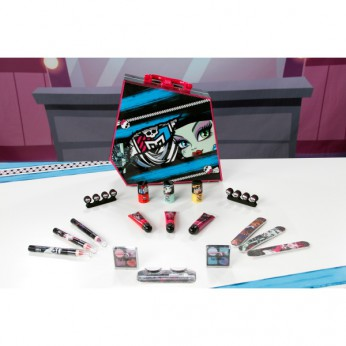 Monster High Frighteningly Fashionable Case reviews