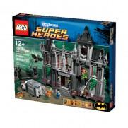 LEGO Super Heroes Batman Asylum Breakout 10937